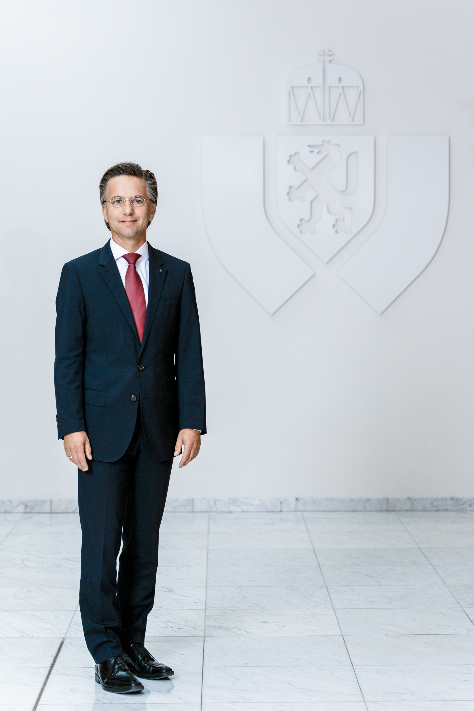 dr. Gernot Reiter